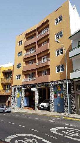 Piso en venta en San Felipe, Icod de los Vinos, Santa Cruz de Tenerife, Avenida 25 de Abril, 88.810 €, 2 baños, 111 m2