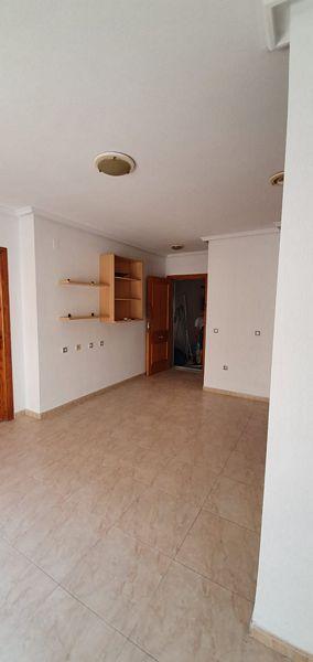 Piso en venta en Torrevieja, Alicante, Calle Clemente Gosalvez, 68.000 €, 2 habitaciones, 1 baño, 63 m2