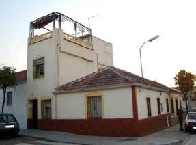 Casa en venta en Córdoba, Córdoba, Calle Alfonso Onceno, 86.000 €, 3 habitaciones, 1 baño, 117 m2