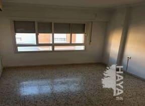 Piso en venta en Albacete, Albacete, Calle Velarde, 67.700 €, 1 habitación, 1 baño, 104 m2