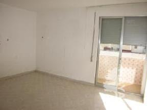 Piso en venta en Piso en Castellón de la Plana/castelló de la Plana, Castellón, 39.140 €, 3 habitaciones, 1 baño, 74 m2