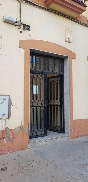 Piso en venta en Montijo, Badajoz, Calle Jacinto Benavente, 80.000 €, 3 habitaciones, 2 baños, 120 m2