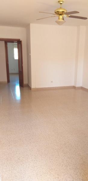 Piso en venta en Valdefierro, Zaragoza, Zaragoza, Calle Federico Ozanaman, 162.000 €, 4 habitaciones, 2 baños, 110 m2