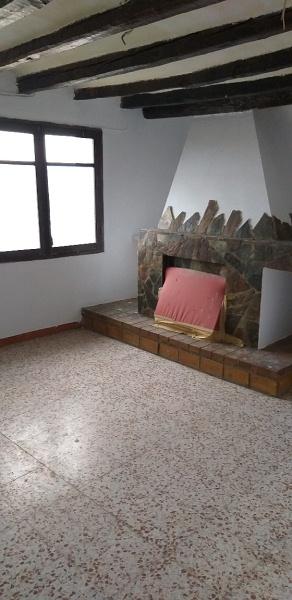 Piso en venta en Torre del Manon, la Sentiu de Sió, Lleida, Calle L`obaga, 39.000 €, 4 habitaciones, 2 baños, 160 m2