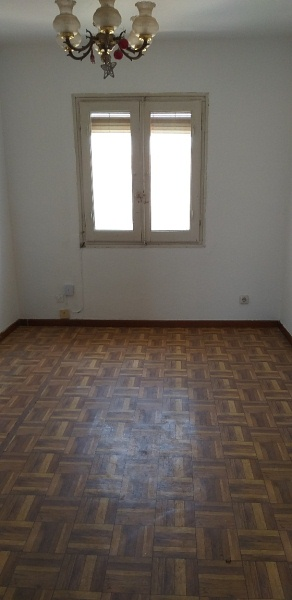 Piso en venta en Oliver, Zaragoza, Zaragoza, Calle Pintor Stolz, 42.000 €, 3 habitaciones, 1 baño, 51 m2