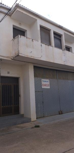 Piso en venta en Alloza, Teruel, Calle Constitucion, 58.000 €, 6 habitaciones, 2 baños, 119 m2