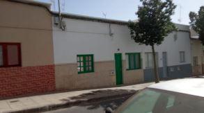 Piso en venta en Argana Alta, Arrecife, Las Palmas, Calle Argentina, 55.000 €, 3 habitaciones, 1 baño, 80 m2