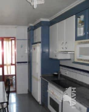 Piso en venta en Bembibre, León, Calle Oscura, 67.100 €, 3 habitaciones, 2 baños, 133 m2