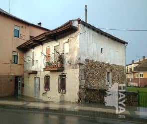 Piso en venta en Barrio Covadonga, Torrelavega, Cantabria, Avenida Palencia, 35.000 €, 1 habitación, 1 baño, 62 m2
