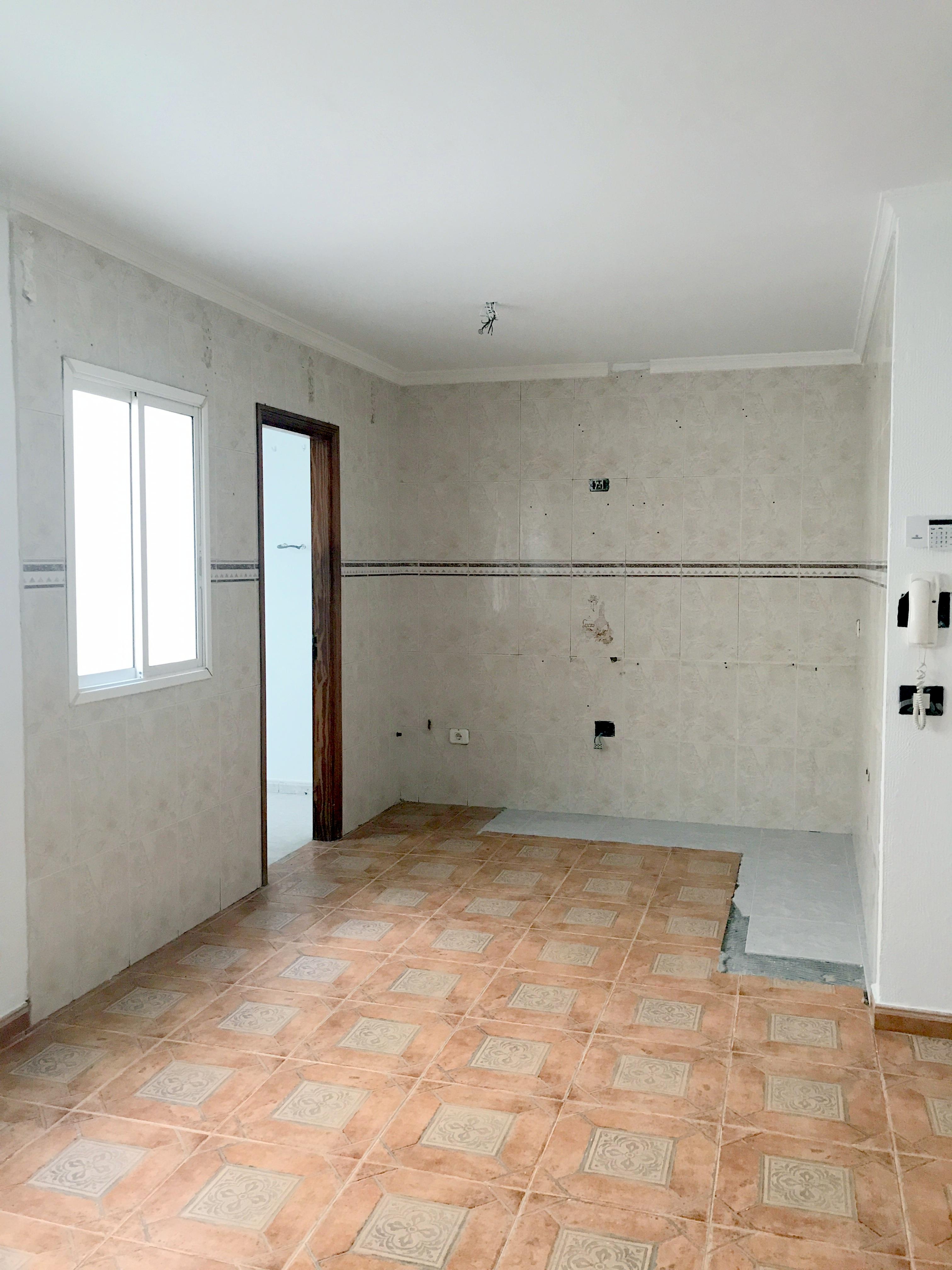 Piso en venta en Ingenio, Las Palmas, Calle Galiana, 81.000 €, 3 habitaciones, 1 baño, 84 m2