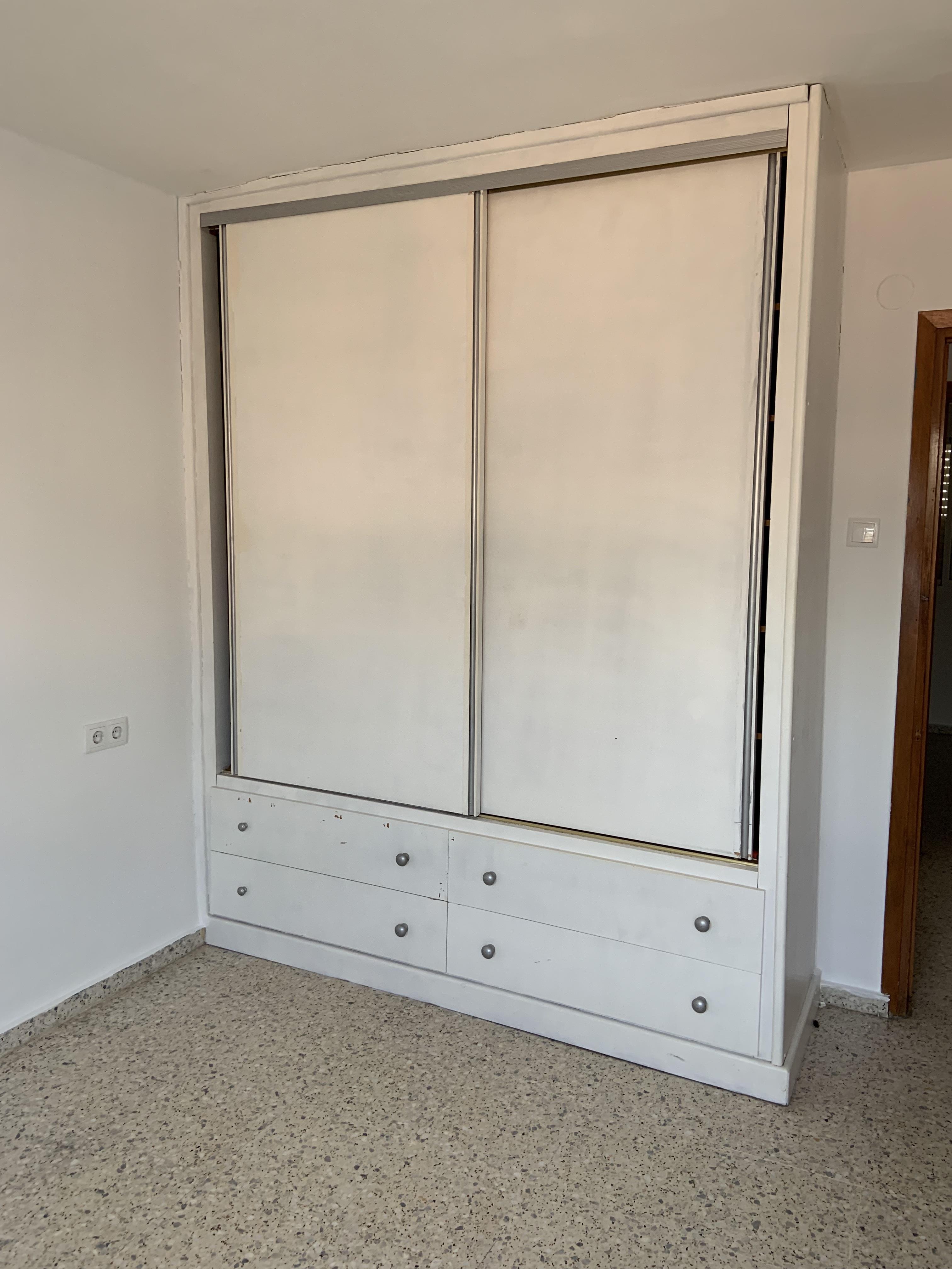 Piso en venta en Motril, Granada, Calle Amadeo Vives, 86.000 €, 3 habitaciones, 1 baño, 89 m2