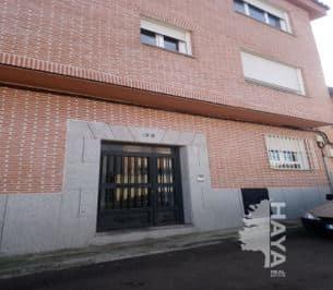 Piso en venta en Cazalegas, Toledo, Calle Rio Alberche, 52.000 €, 2 habitaciones, 2 baños, 78 m2