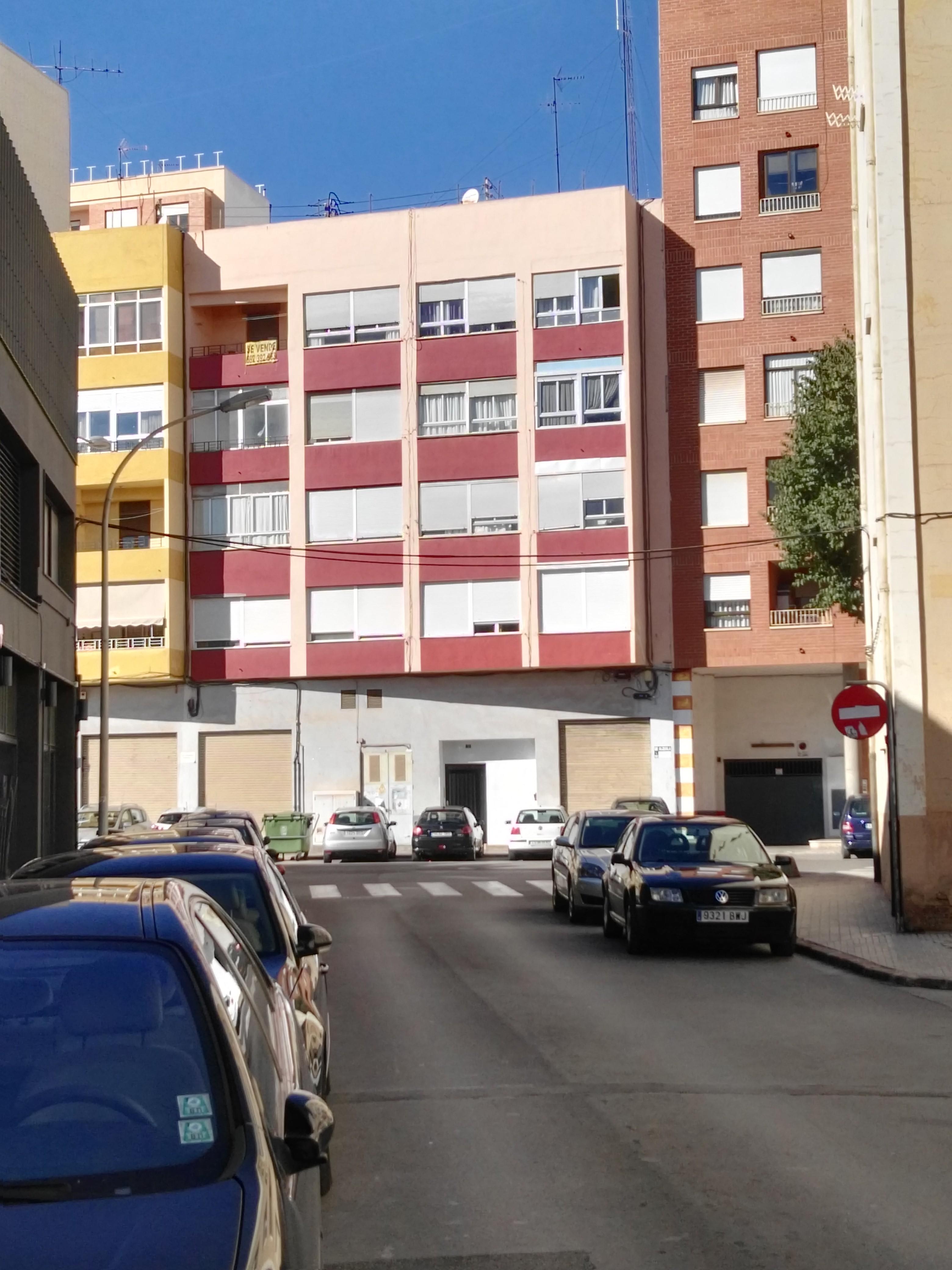 Piso en venta en Piso en Castellón de la Plana/castelló de la Plana, Castellón, 46.000 €, 3 habitaciones, 1 baño, 80 m2