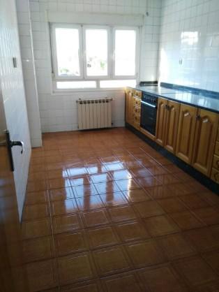 Piso en venta en San Lázaro Y Otero, Siero, Asturias, Camino Real, 85.000 €, 3 habitaciones, 1 baño, 89 m2