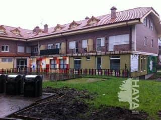 Piso en venta en Ramales de la Victoria, Ramales de la Victoria, Cantabria, Calle Manuel Gonzalez Peral, 84.000 €, 2 habitaciones, 2 baños, 95 m2