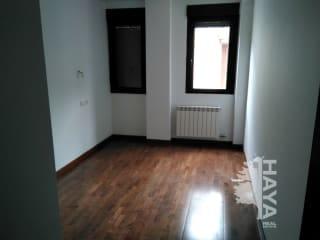 Piso en venta en Villabalter, San Andrés del Rabanedo, León, Calle Mariposa, 82.530 €, 2 habitaciones, 1 baño, 89 m2
