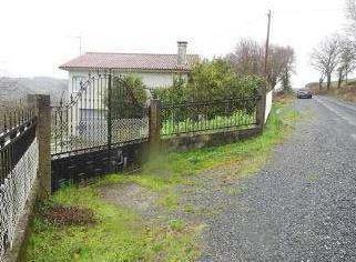 Casa en venta en Lalín, Pontevedra, Barrio Outeiro, 79.000 €, 2 habitaciones, 1 baño, 137 m2