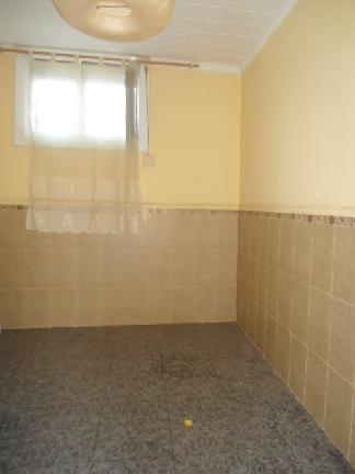 Piso en venta en Santa Coloma de Gramenet, Barcelona, Calle Santiago Rusiñol, 68.122 €, 3 habitaciones, 1 baño, 55 m2