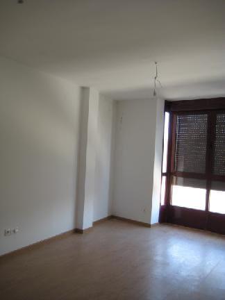 Piso en venta en Mojados, Valladolid, Calle Emperador Carlos I, 69.800 €, 2 habitaciones, 1 baño, 81 m2