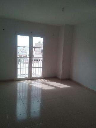 Piso en venta en Piso en Arrecife, Las Palmas, 54.667 €, 1 habitación, 1 baño, 90 m2