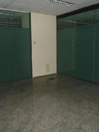 Local en venta en Local en Santa Coloma de Gramenet, Barcelona, 666.771 €, 1210 m2