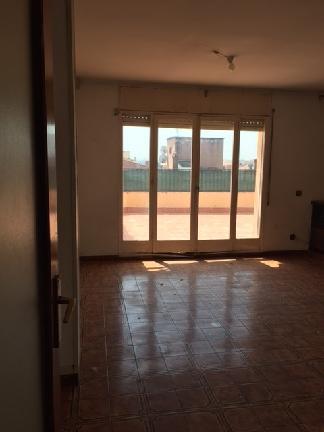 Piso en venta en Salt, Girona, Calle Torras I Bages, 109.441 €, 4 habitaciones, 1 baño, 123 m2