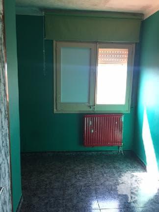 Piso en venta en Salt, Girona, Calle Francesc Macia, 48.125 €, 3 habitaciones, 1 baño, 79 m2