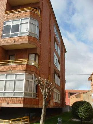 Piso en venta en La Bañeza, León, Calle Severo Ochoa, 50.361 €, 3 habitaciones, 1 baño, 114 m2