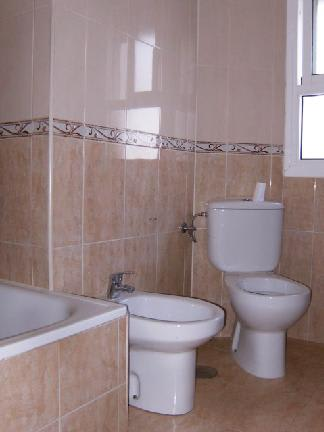 Piso en venta en Polígono Norte, Sevilla, Sevilla, Calle Guadalcanal, 48.695 €, 2 habitaciones, 1 baño, 68 m2