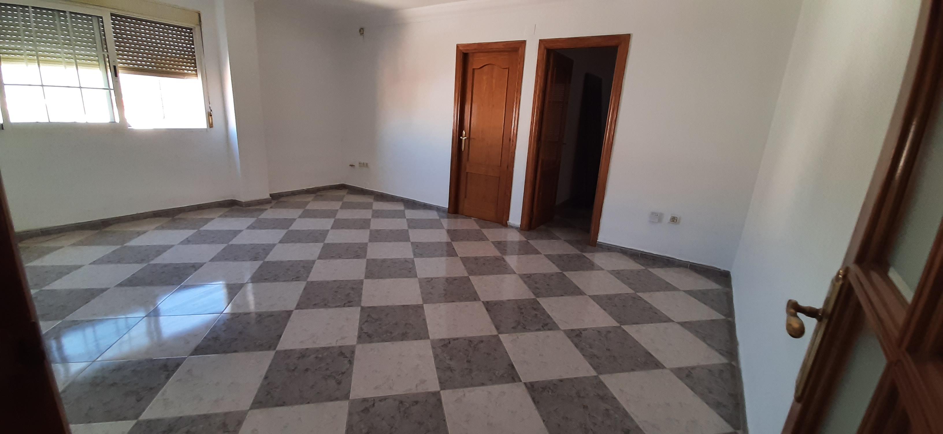 Piso en venta en La Carolina, Jaén, Calle Plaza Floridablanca, 47.000 €, 3 habitaciones, 1 baño, 94 m2