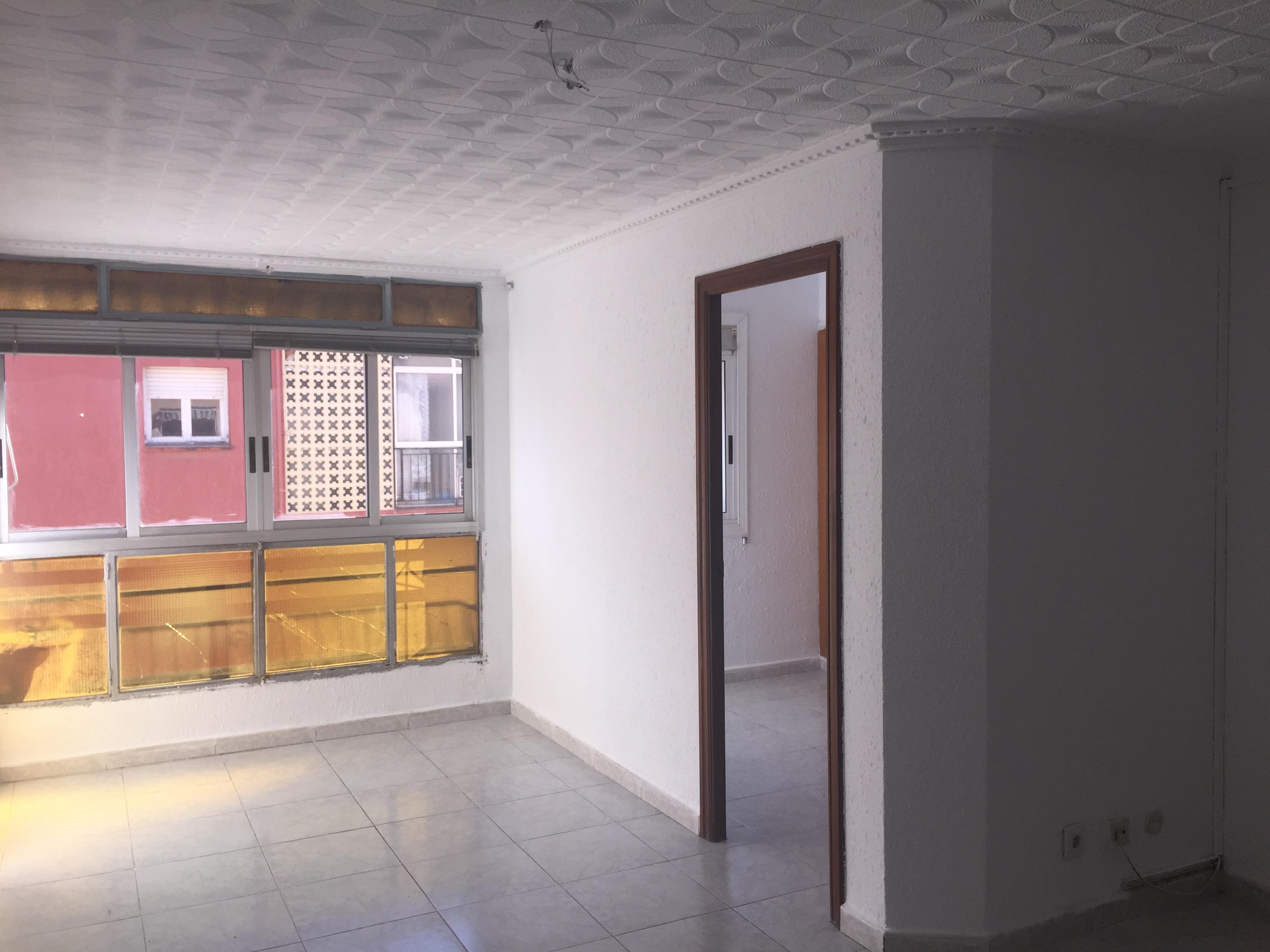 Piso en venta en Reus, Tarragona, Calle de Benidorm, 57.000 €, 3 habitaciones, 1 baño, 85 m2