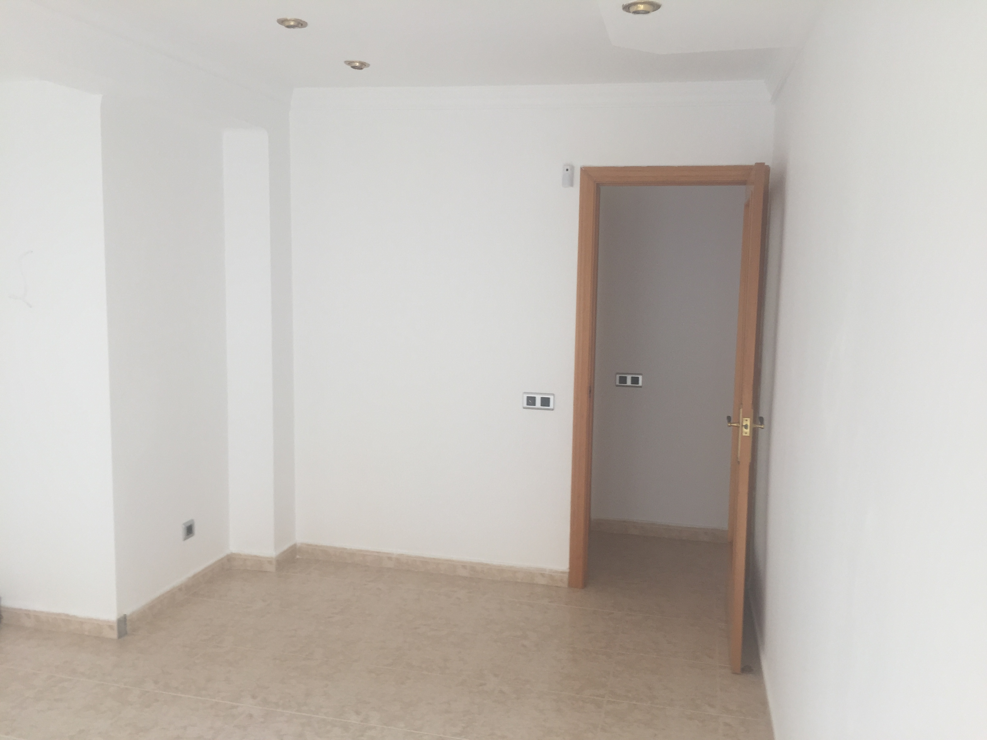 Piso en venta en Reus, Tarragona, Calle de la Muralla, 50.000 €, 3 habitaciones, 1 baño, 75 m2