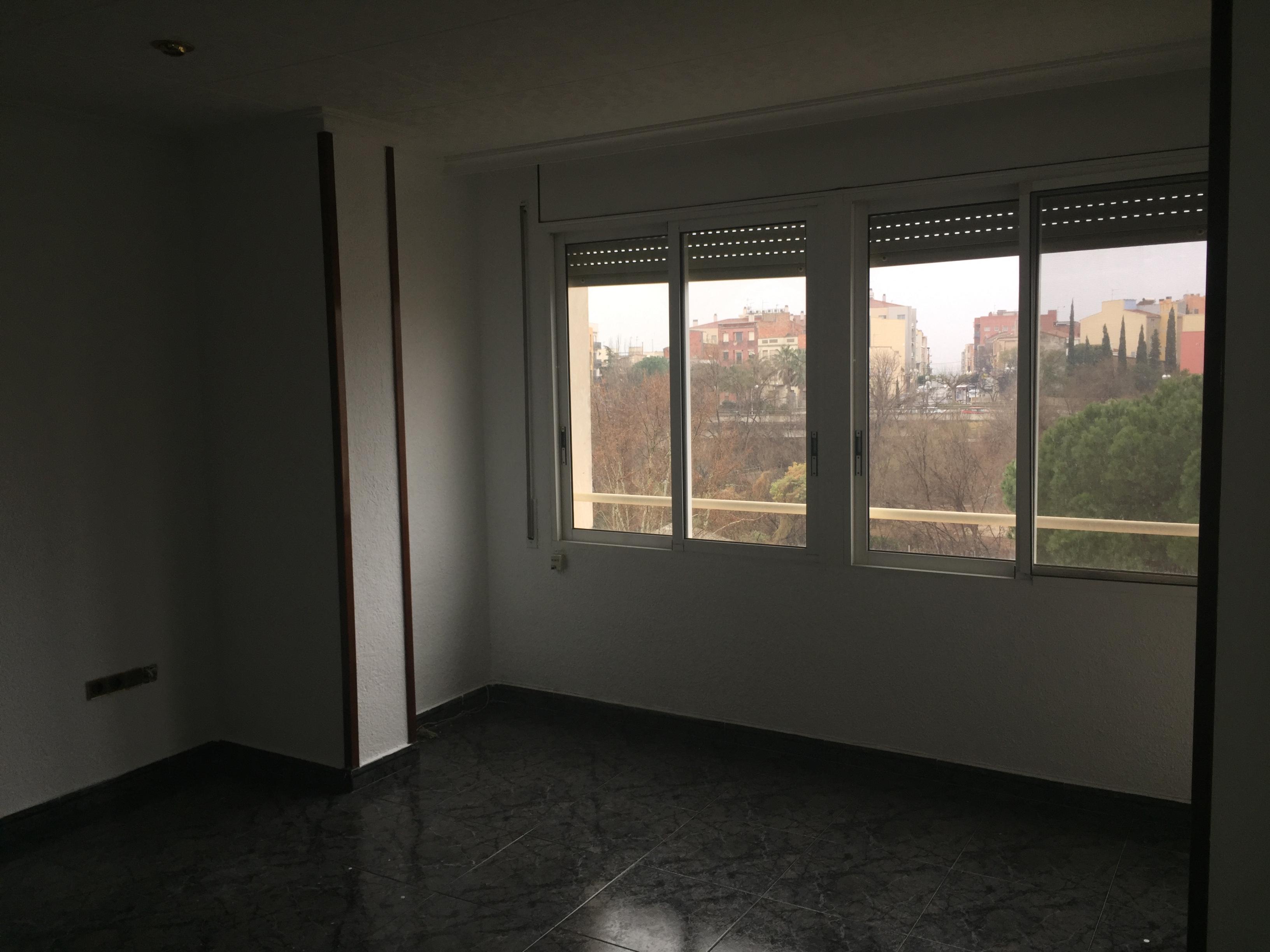 Piso en venta en El Morell, El Morell, Tarragona, Calle Creus, 78.000 €, 4 habitaciones, 1 baño, 105 m2