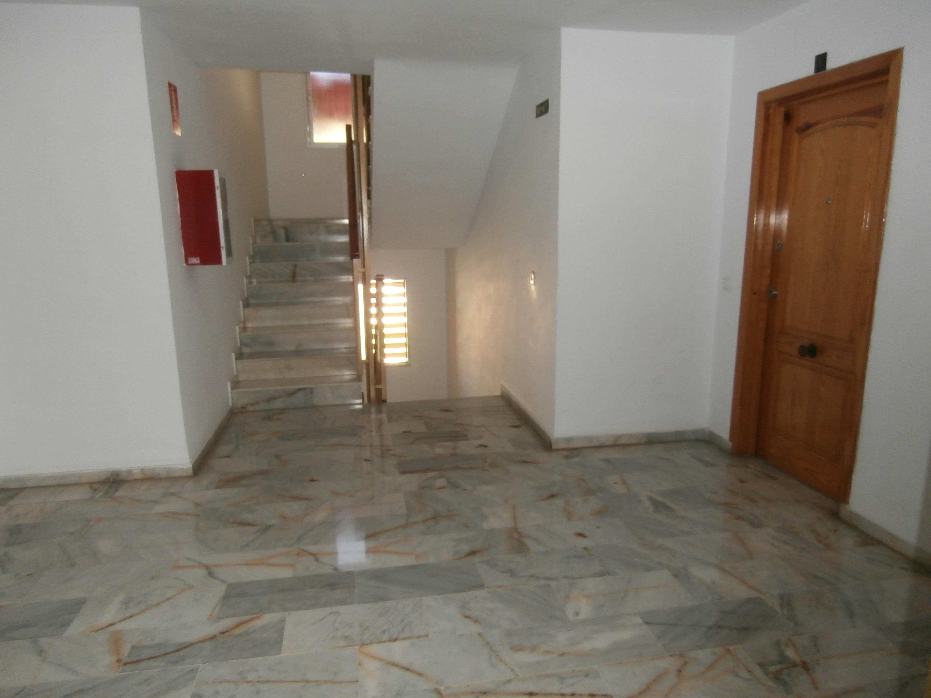 Piso en venta en Málaga, Málaga, Calle Héctor Villa-lobos, 159.000 €, 4 habitaciones, 2 baños, 117 m2