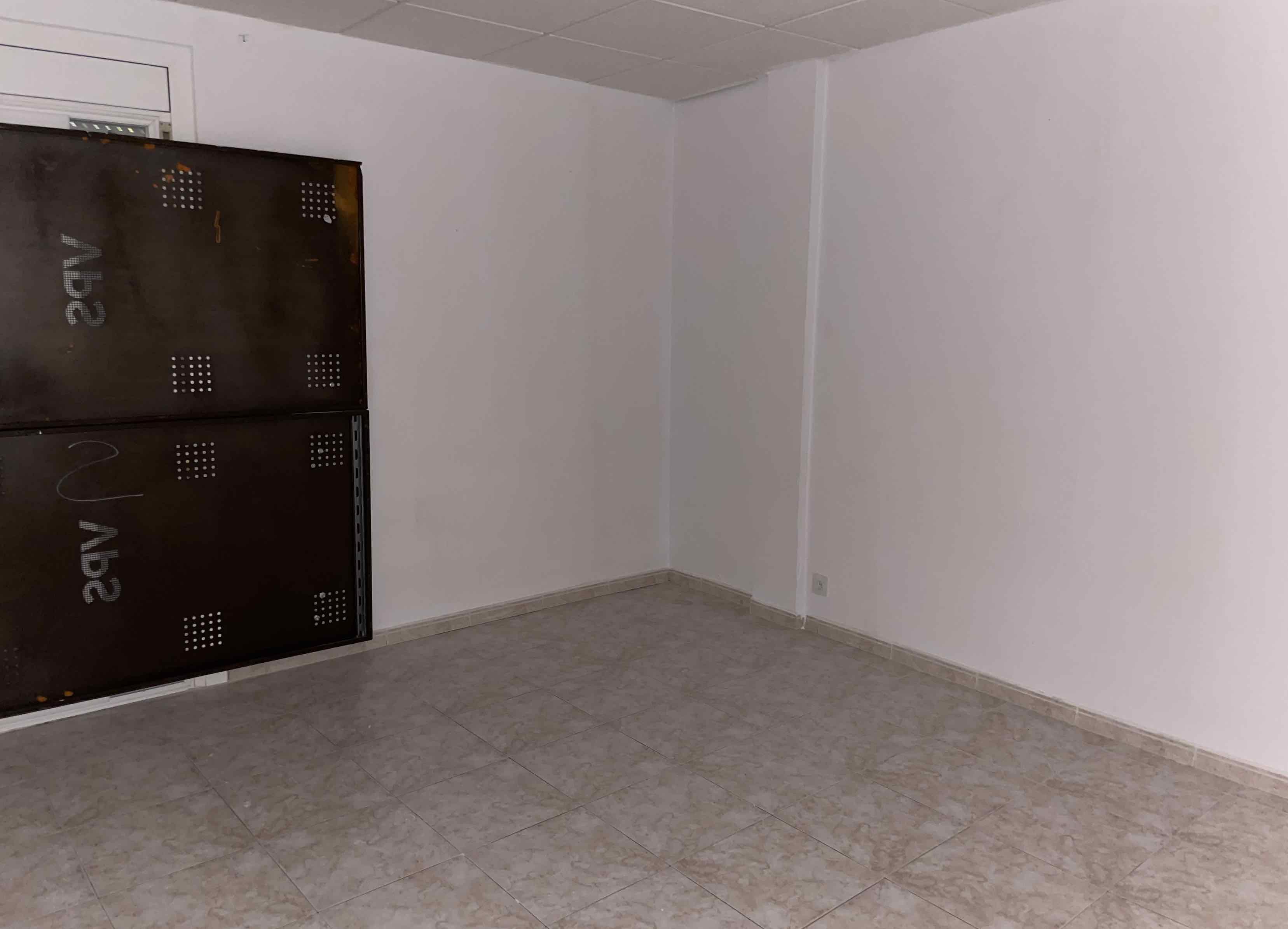 Piso en venta en Cal Ràfols, Vilafranca del Penedès, Barcelona, Plaza Felix Mestre Nuto, 97.000 €, 3 habitaciones, 1 baño, 73 m2