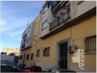 Piso en venta en Los Colorines, Badajoz, Badajoz, Calle Estremoz, 23.000 €, 1 baño, 74 m2