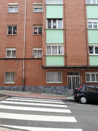 Piso en venta en Corvera de Asturias, Asturias, Calle Leopoldo Alas Clarin, 33.000 €, 4 habitaciones, 1 baño, 75 m2