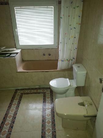 Casa en venta en Novelda, Alicante, Lugar Partida Horna Baja, 91.700 €, 3 habitaciones, 1 baño, 131 m2