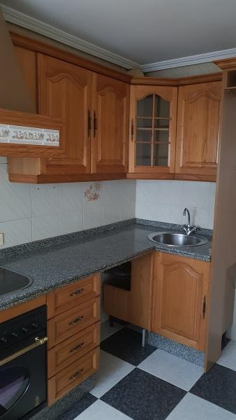 Piso en venta en Santa Marta, Badajoz, Avenida Extremadura, 83.000 €, 4 habitaciones, 2 baños, 112 m2