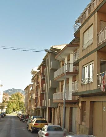 Piso en venta en Berga, Barcelona, Calle Gran Via, 98.000 €, 3 habitaciones, 1 baño, 100 m2
