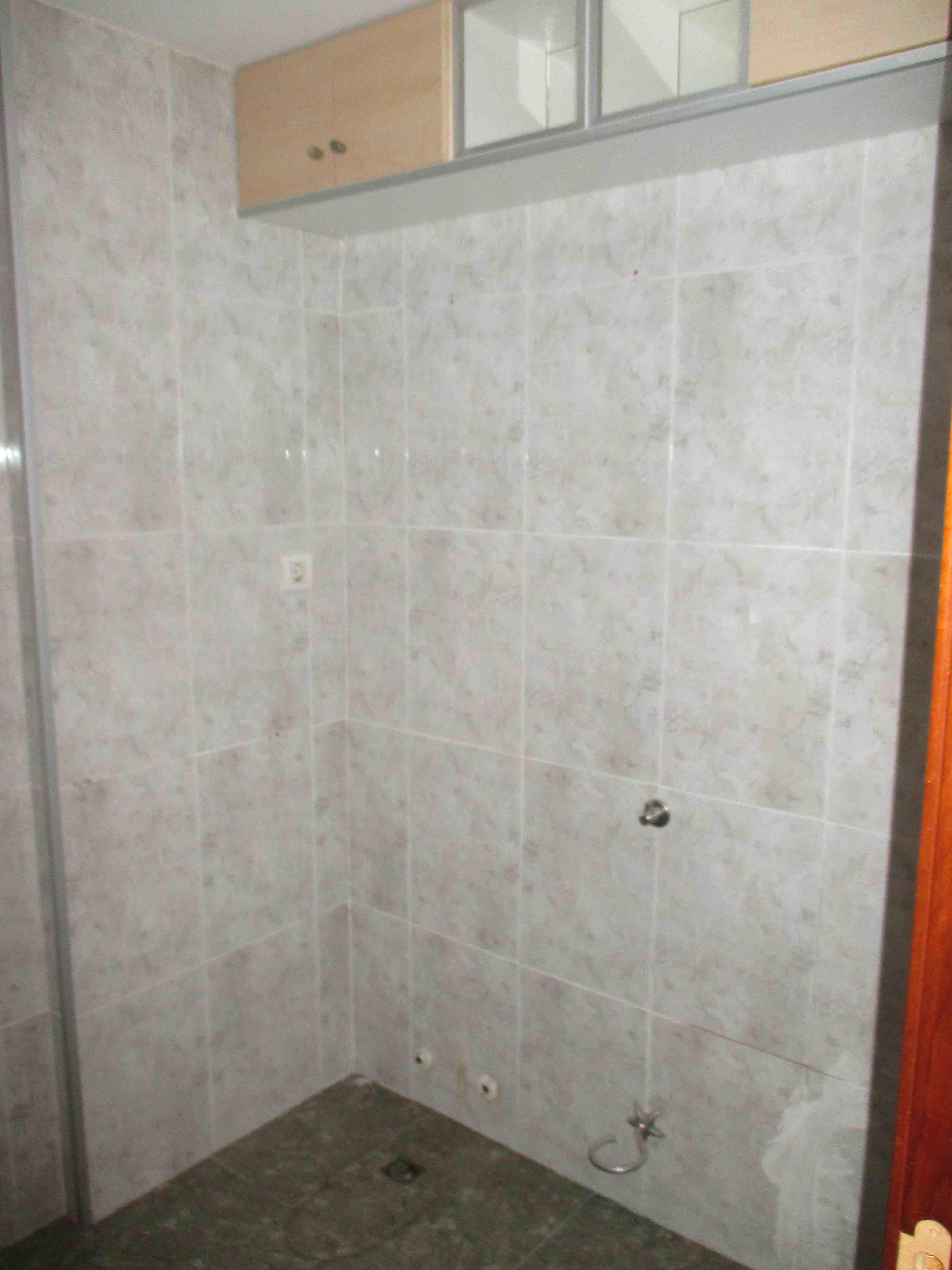Piso en venta en Huesca, Huesca, Calle Joaquin Roig, 61.000 €, 3 habitaciones, 1 baño, 94 m2