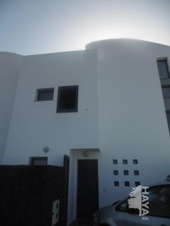 Piso en venta en Teguise, Las Palmas, Calle Timple- Residencial Babor, 135.750 €, 2 habitaciones, 3 baños, 107 m2