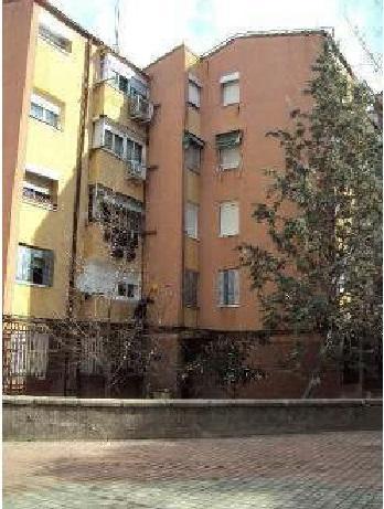 Piso en venta en Madrid, Madrid, Calle los Decoradores, 107.000 €, 56 m2