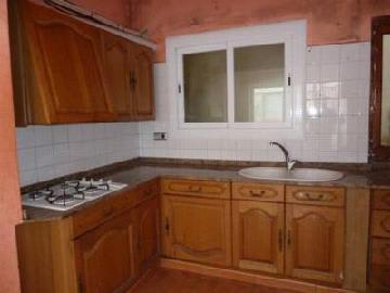 Piso en venta en Sant Feliu de Codines, Barcelona, Plaza Umbert Rosas, 79.991 €, 3 habitaciones, 1 baño, 87 m2