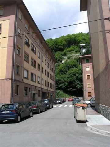 Piso en venta en Mieres, Asturias, Calle Arroyo Bloque, 40.000 €, 4 habitaciones, 1 baño, 75 m2