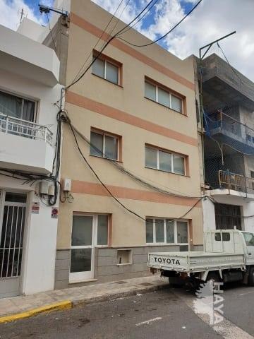 Piso en venta en Gran Tarajal, Tuineje, Las Palmas, Calle Maxorata, 124.000 €, 3 habitaciones, 2 baños, 114 m2
