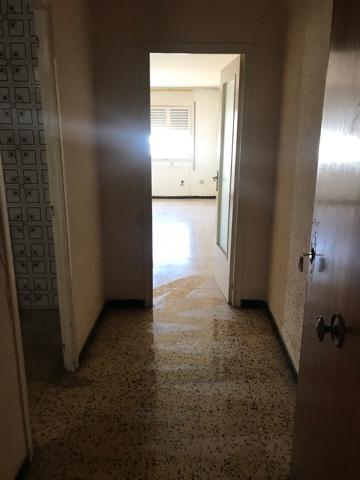 Piso en venta en Reus, Tarragona, Avenida Països Catalans, 95.000 €, 3 habitaciones, 1 baño, 83 m2