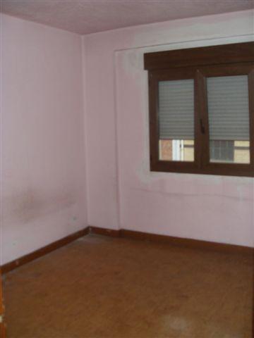 Piso en venta en La Corredoria Y Ventanielles, Oviedo, Asturias, Calle Joaquina Bobela, 71.000 €, 2 habitaciones, 1 baño, 53,56 m2