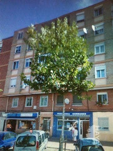 Piso en venta en Pajarillos, Valladolid, Valladolid, Calle Pelicano, 50.000 €, 1 baño, 82 m2