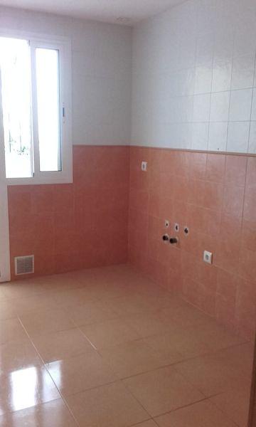 Piso en venta en Algeciras, Cádiz, Calle Cid Campeador, 98.000 €, 3 habitaciones, 1 baño, 78 m2
